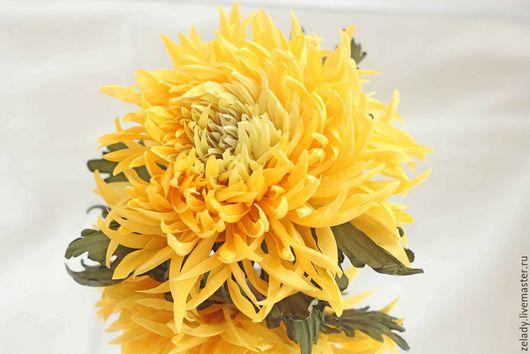 """Цветы ручной работы. Ярмарка Мастеров - ручная работа. Купить Хризантема из шелка """"Медовый десерт"""". Handmade. Желтый, брошь"""