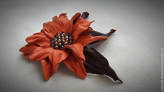 """Броши ручной работы. Ярмарка Мастеров - ручная работа. Купить цветы из кожи, брошь  """"Огненно-рыжая"""". Handmade. Рыжий, бусины"""