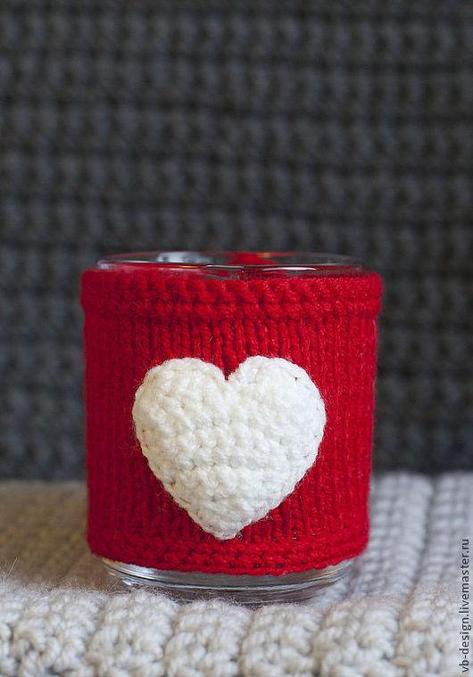 """Кухня ручной работы. Ярмарка Мастеров - ручная работа. Купить Кружка с вязаным чехлом  """"Сердце"""". Handmade. Ярко-красный, любовь"""