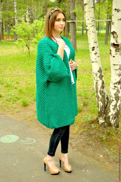 потрясающего насыщенного зеленого цвета, цвет драгоценного изумруда, что фото передать не смогло!