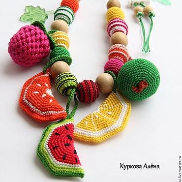 Одежда ручной работы. Ярмарка Мастеров - ручная работа Слингобусы с игрушкой,  слинго-бусы развивающие - Фрукты. Handmade.