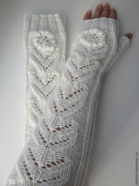 Варежки, митенки, перчатки ручной работы. Ярмарка Мастеров - ручная работа. Купить Митенки длинные Цветочек. Handmade. Белый