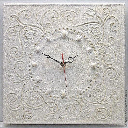 """Часы для дома ручной работы. Ярмарка Мастеров - ручная работа. Купить """"НЕЖНОСТЬ В БЕЛОМ"""" из песка часы авторские. Handmade."""