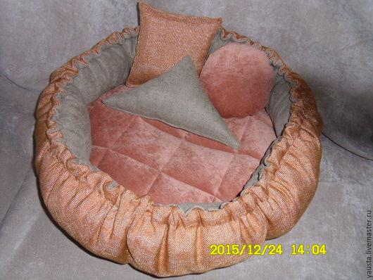 Аксессуары для собак, ручной работы. Ярмарка Мастеров - ручная работа. Купить Лежак-трансформер для животных из мебельной ткани. Handmade. Рыжий