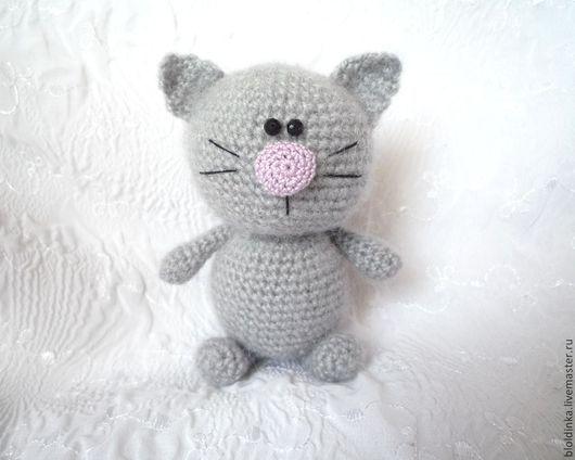 Игрушки животные, ручной работы. Ярмарка Мастеров - ручная работа. Купить Вязаный котик. Handmade. Серый, подарок, вязаный котик