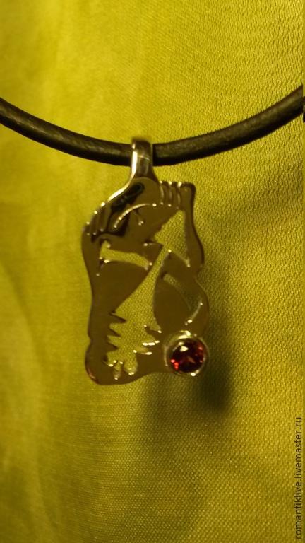 """Кулоны, подвески ручной работы. Ярмарка Мастеров - ручная работа. Купить Подвеска - знак зодиака """"Стрелец"""" из серебра с натуральным гранатом.. Handmade."""