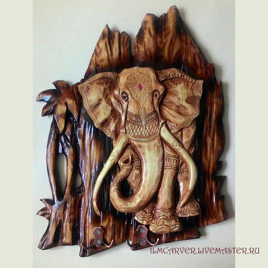 """Животные ручной работы. Ярмарка Мастеров - ручная работа. Купить Резьба по дереву. Ключница """"India"""". Handmade. Коричневый, резная ключница"""