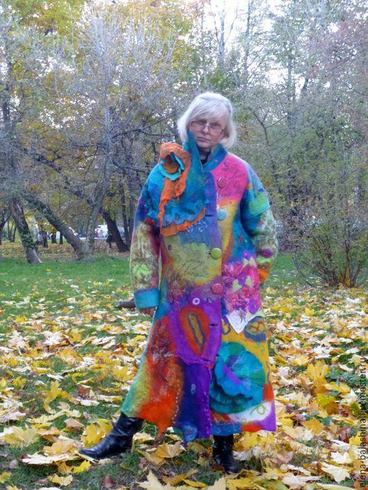 """Верхняя одежда ручной работы. Ярмарка Мастеров - ручная работа. Купить Пальто валяное """"Без улыбки не пройдет никто"""". Handmade."""