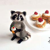Куклы и игрушки handmade. Livemaster - original item Raccoon Muffy /Needlfelted toy. Handmade.