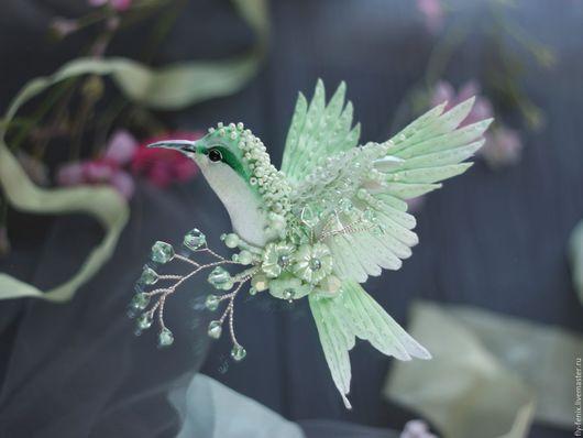 """Броши ручной работы. Ярмарка Мастеров - ручная работа. Купить Брошь птица колибри """"первоцвет"""" - spring collection. Handmade. Вышивка"""