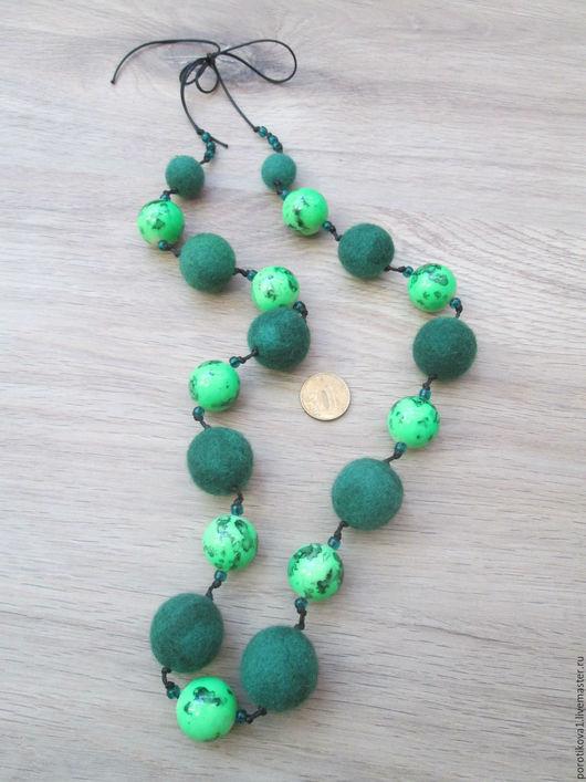 """Колье, бусы ручной работы. Ярмарка Мастеров - ручная работа. Купить Бусы """"Зелень"""". Handmade. Ярко-зелёный, бусины пластиковые"""