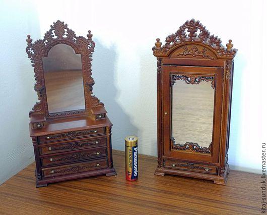 Миниатюра ручной работы. Ярмарка Мастеров - ручная работа. Купить Комод и Шкаф плательный резной с зеркальной дверью Миниатюра 1:12. Handmade.