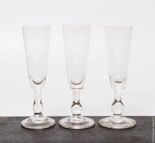 Винтажная посуда. Ярмарка Мастеров - ручная работа. Купить Комплект 3 шт рюмки из стекла на ножке, стопки для водки. Handmade.
