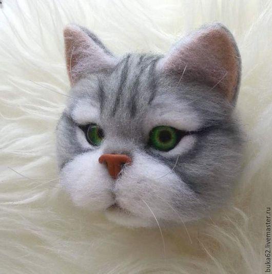 Броши ручной работы. Ярмарка Мастеров - ручная работа. Купить брошь кот. Handmade. Серый, серебристый, брошь, брошь валяная