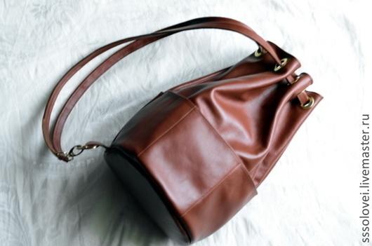 Рюкзаки ручной работы. Ярмарка Мастеров - ручная работа. Купить Простой кожаный рюкзачок / на одно плечо. Handmade. Коричневый
