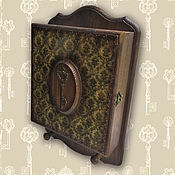 Для дома и интерьера ручной работы. Ярмарка Мастеров - ручная работа Ключница Золотой ключик(ключница настенная, ключница-шкафчик). Handmade.
