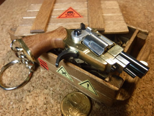 """Брелоки ручной работы. Ярмарка Мастеров - ручная работа. Купить Револьвер брелок """"Холмс"""". Handmade. Оружие, 23 февраля, алюминий"""