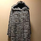 Меховое комбинированное пальто с капюшоном (серо-белый) 2018