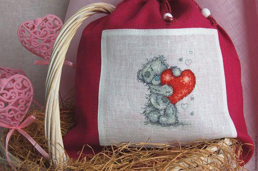 """Подарки для влюбленных ручной работы. Ярмарка Мастеров - ручная работа. Купить Льняной мешочек  """"Медвежонок Тедди с сердцем"""" из серии Me to You. Handmade."""