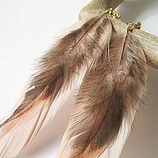 Украшения ручной работы. Ярмарка Мастеров - ручная работа Длинные серьги с бежевыми и коричневыми перьями. Handmade.