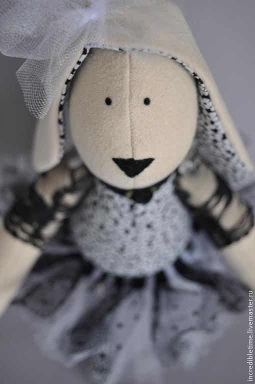 Куклы Тильды ручной работы. Ярмарка Мастеров - ручная работа. Купить Зайка Майя. Handmade. Чёрно-белый, ручная работа