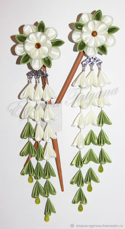 82a53f7b9cbe Палочки-канзаши для волос с молочно-оливковыми хризантемами (с шидаре)