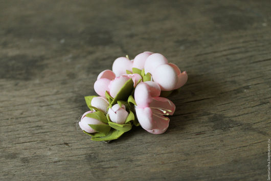 Заколки ручной работы. Ярмарка Мастеров - ручная работа. Купить Зажим для волос с вишневым цветом из фоамирана. Handmade. Бледно-розовый