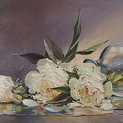 Картины и панно ручной работы. Ярмарка Мастеров - ручная работа Пионы у разбитой вазы. Handmade.