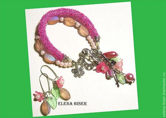 выпускной бал, украшение девушке, украшение ручной работы, стильный розовый  браслет, стильное украшение, браслет фото , пышный браслет  браслет в подарок   подарок розовый браслет авторский браслет