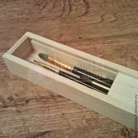 Пенал деревянный для кисточек, ручек и карандашей. Подойдет для творческих людей, удобен в использовании, а также может быть декорирован по вашему вкусу.