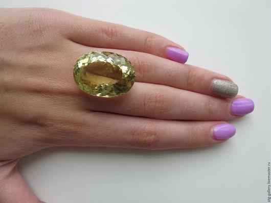 Роскошный крупный золотистый кварц. Сделаю украшение для Вас!