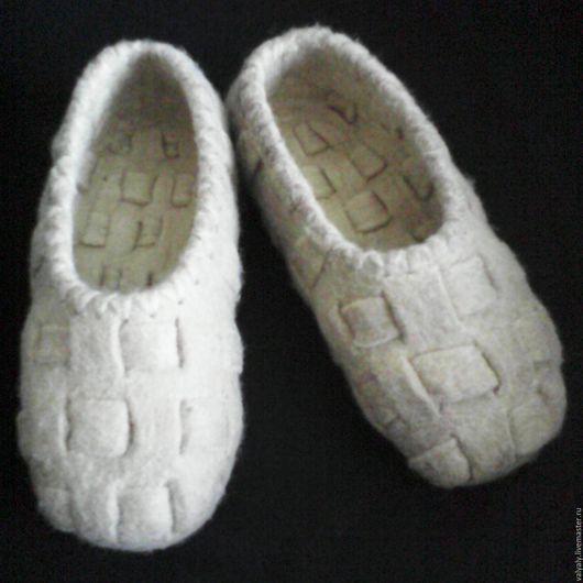 Обувь ручной работы. Ярмарка Мастеров - ручная работа. Купить домашние тапочки лапоточки. Handmade. Бежевый, лапти