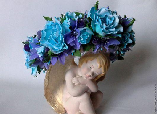 Диадемы, обручи ручной работы. Ярмарка Мастеров - ручная работа. Купить Ободок в стиле бохо  из голубых роз с сиреневыми ягодами и цветами. Handmade.