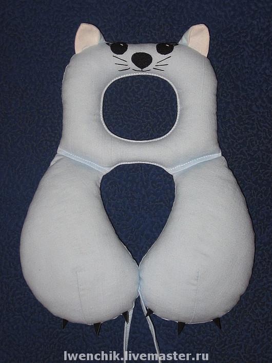Пледы и одеяла ручной работы. Ярмарка Мастеров - ручная работа. Купить Подушка под шею для автокресла. Котик.. Handmade. Подушка