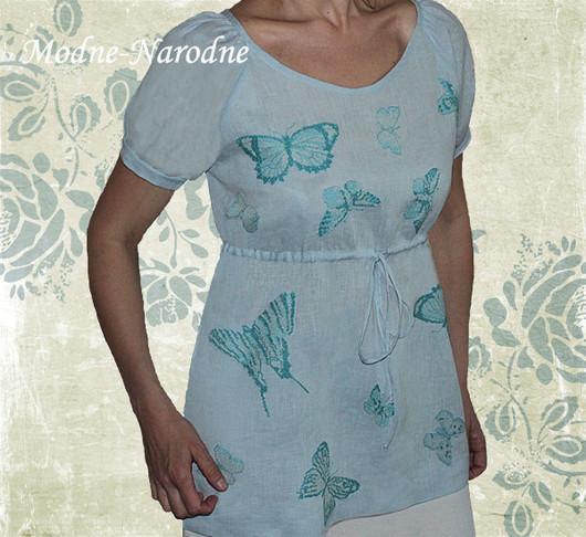 Льняная блуза с ручной вышивкой Бабочки. \r\nМодная одежда с ручной вышивкой. \r\nТворческое ателье Modne-Narodne.