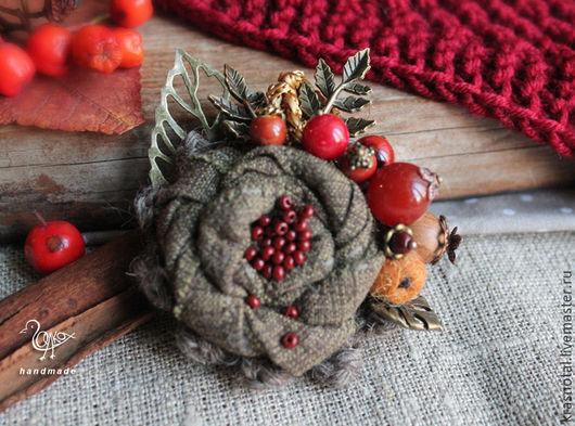 Броши ручной работы. Ярмарка Мастеров - ручная работа. Купить Осенняя брошь с ягодами Угощаю рябиной,  брошь с камнями. Handmade.