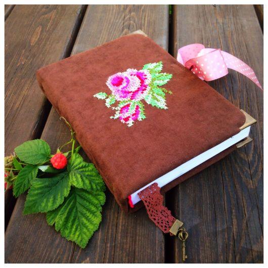 """Блокноты ручной работы. Ярмарка Мастеров - ручная работа. Купить блокнот с вышивкой """"Розы"""". Handmade. Блокнот, блокнот маме"""