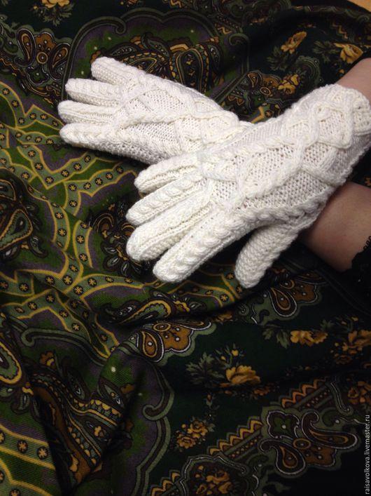 """Варежки, митенки, перчатки ручной работы. Ярмарка Мастеров - ручная работа. Купить Перчатки """"Косы"""". Handmade. Перчатки вязаные, зима"""