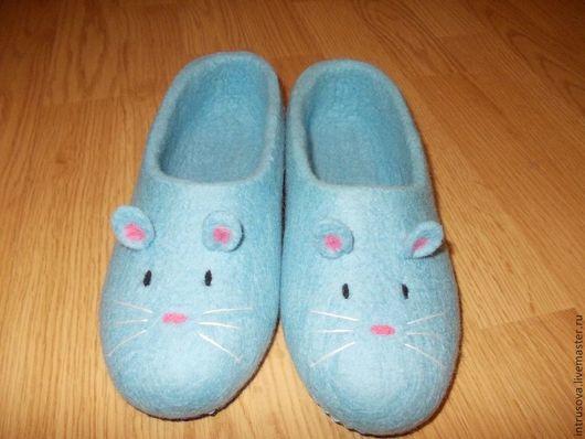 Валяные тапочки ручной работы `Мышки`