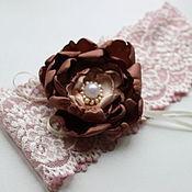 Свадебный салон ручной работы. Ярмарка Мастеров - ручная работа Ванильно-шоколадная свадебная подвязка невесты ручной работы. Handmade.