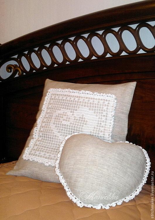"""Текстиль, ковры ручной работы. Ярмарка Мастеров - ручная работа. Купить Комлект подушек с вязаным декором """"Сердечки"""". Handmade."""