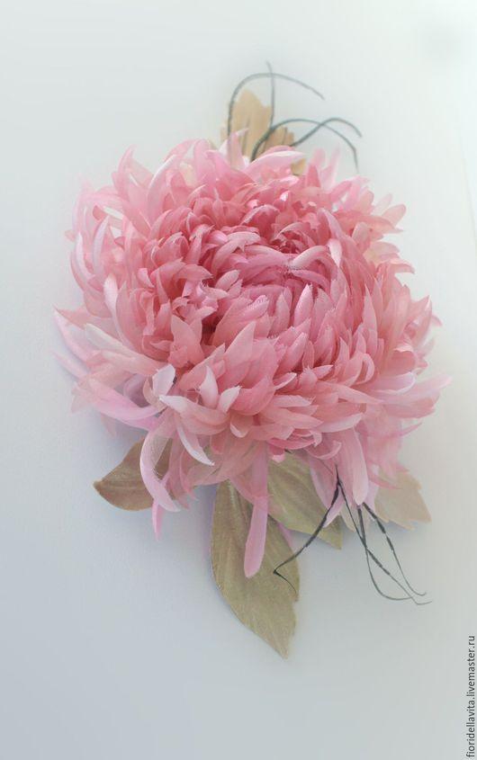 """Броши ручной работы. Ярмарка Мастеров - ручная работа. Купить Шелковая хризантема """"Юнона"""". Handmade. Цветок из ткани, шёлковая органза"""