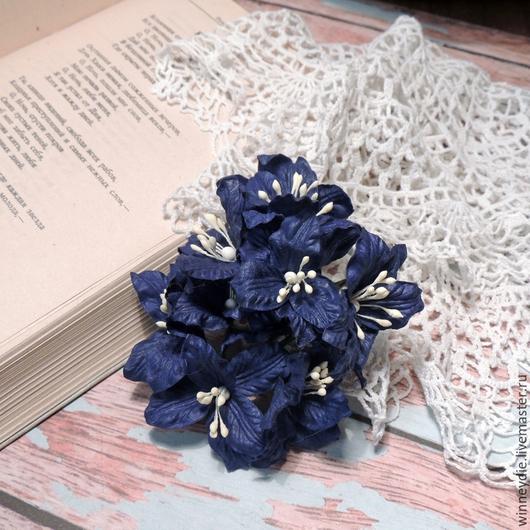 Открытки и скрапбукинг ручной работы. Ярмарка Мастеров - ручная работа. Купить Лилии темно-синие 5шт. Handmade. Тёмно-синий