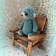 Мишка игрушка Крошка Аквамаринчик на стуле