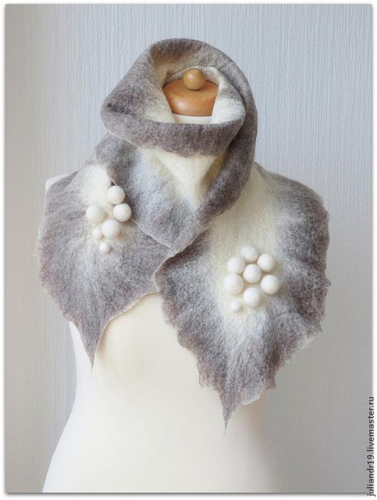 """Шарфы и шарфики ручной работы. Ярмарка Мастеров - ручная работа. Купить """"Снежки"""" серый, тёплый уютный зимний валяный шарф. Handmade."""