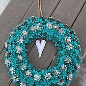 Подарки к праздникам ручной работы. Ярмарка Мастеров - ручная работа новогодний венок на дверь из сосновых шишек. Handmade.