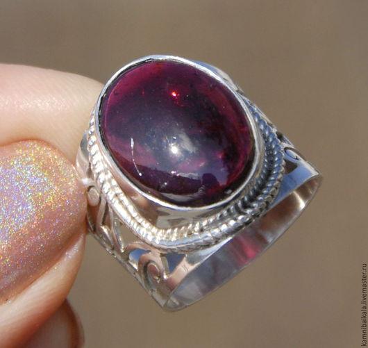 Кольца ручной работы. Ярмарка Мастеров - ручная работа. Купить Перстень с гарнатом (М61, 62). Handmade. Брусничный, гранатовое кольцо