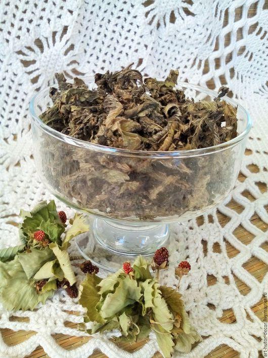 Ферментированный земляничный чай. Собран и приготовлен вручную в 2016 году в Смоленской области.
