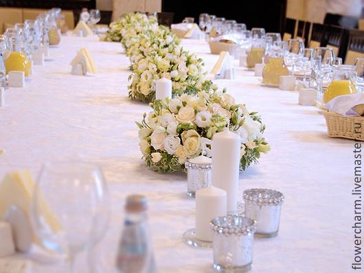 Бело-кремовая свадьба - декор стола