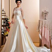 Свадебный салон ручной работы. Ярмарка Мастеров - ручная работа Свадебное платье со шлейфом. Handmade.